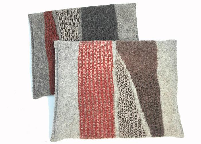 coussins en feutre de laine faits-main roux