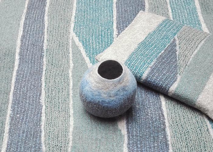 tapis et coussins et pot en feutre de laine fait-main Bleu Azur