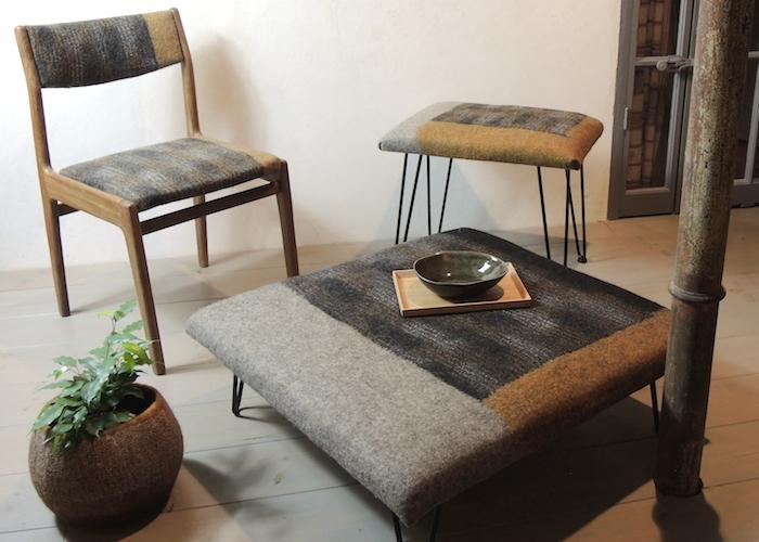 ghislaine-garcin-assises-feutre-laine-ocre