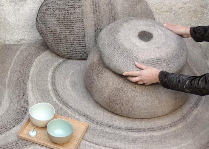 Coussins et pouf en feutre de laine fait-main Beige