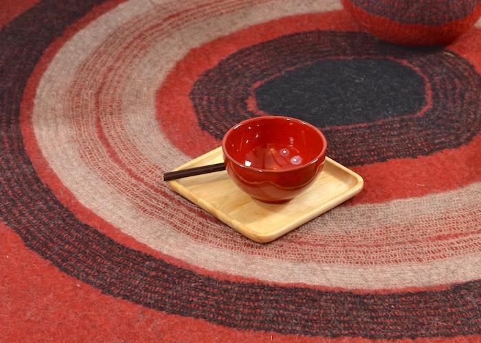 tapis feutre rouge détail